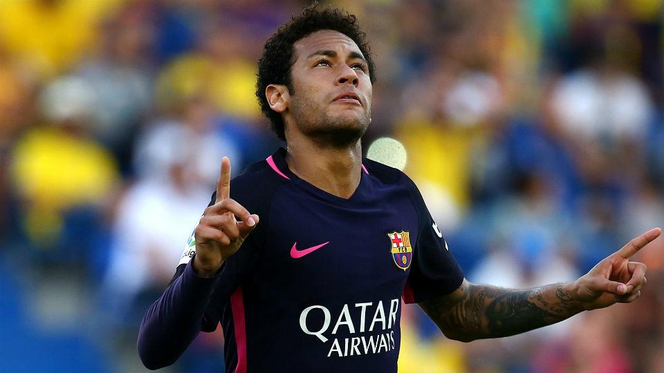 Hattrick Neymar bawa Barcelona bertahan di puncak klasemen